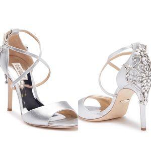 Badgley Mischka Shoes - ✨🆕 Badgley Mischka ♚ Intricate Crystal Sandals ♚